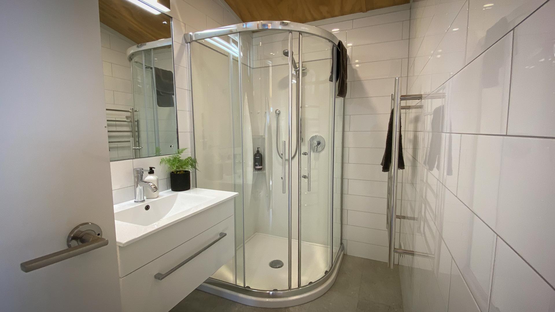 awa-cottage-bathroom.png