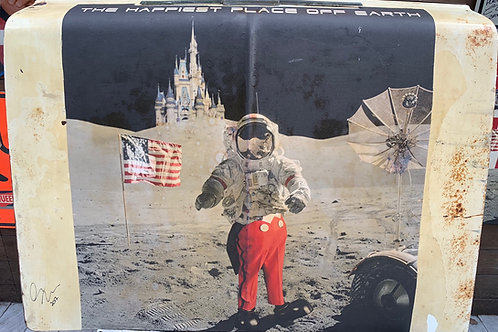 Lee Arthur Dahlberg - The happiest place off Earth