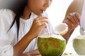 Benefits of drinking coconut water during pregnancy, but with precautions