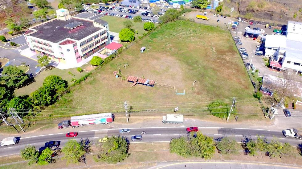 Amplio Terreno frente a Via Ricardo J. Alfaro