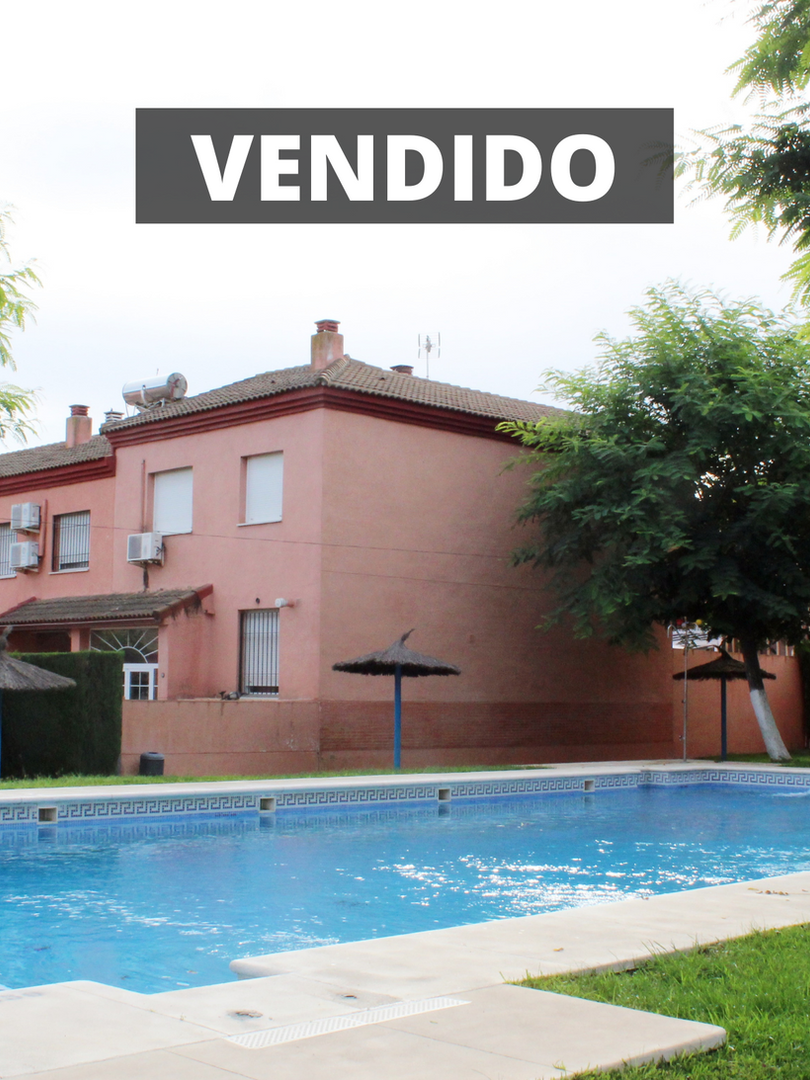 ZONA MONTEQUINTO: 4 Dormitorios,3 baños, piscina, 126M2