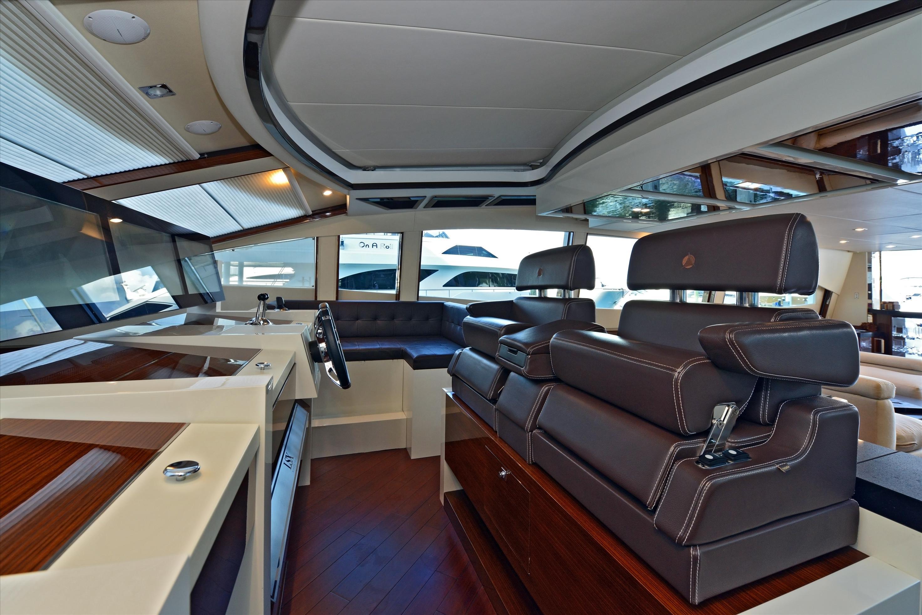 Luxury_Yachts_1