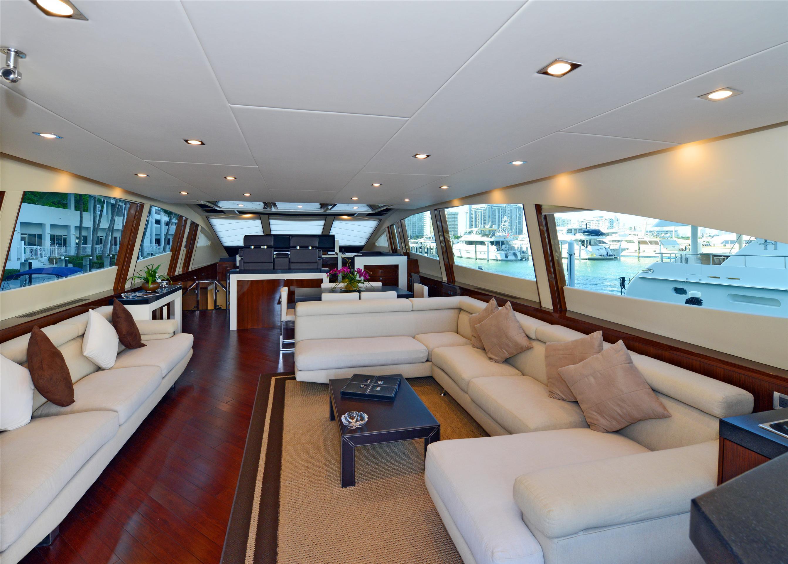Luxury_Yachts_Interior