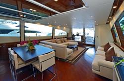 Luxury_Yachts