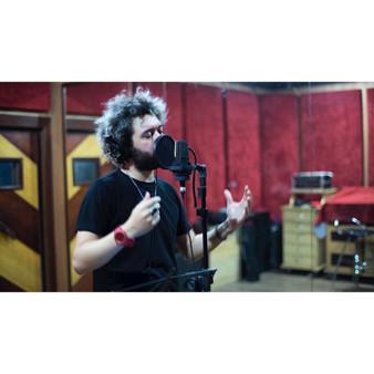 "Voice recording of ""Assim se writes"" at the studio Be Happy in Rio de Janeiro"