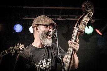Arie Reisinger on bass!