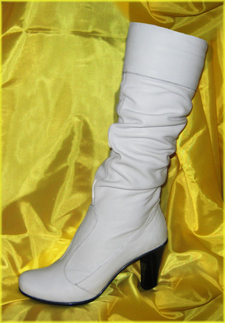 белый сапог