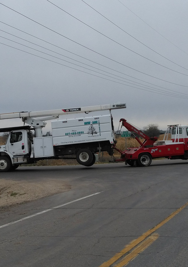 utility truck towing