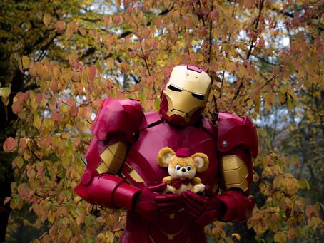 Сімейний бізнес: переселенці з Донбасу створюють яскраві костюми трансформерів