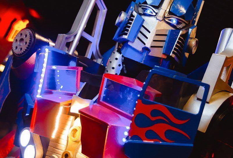 Трансформер Оптимус Прайм -костюм  робота для аниматоров