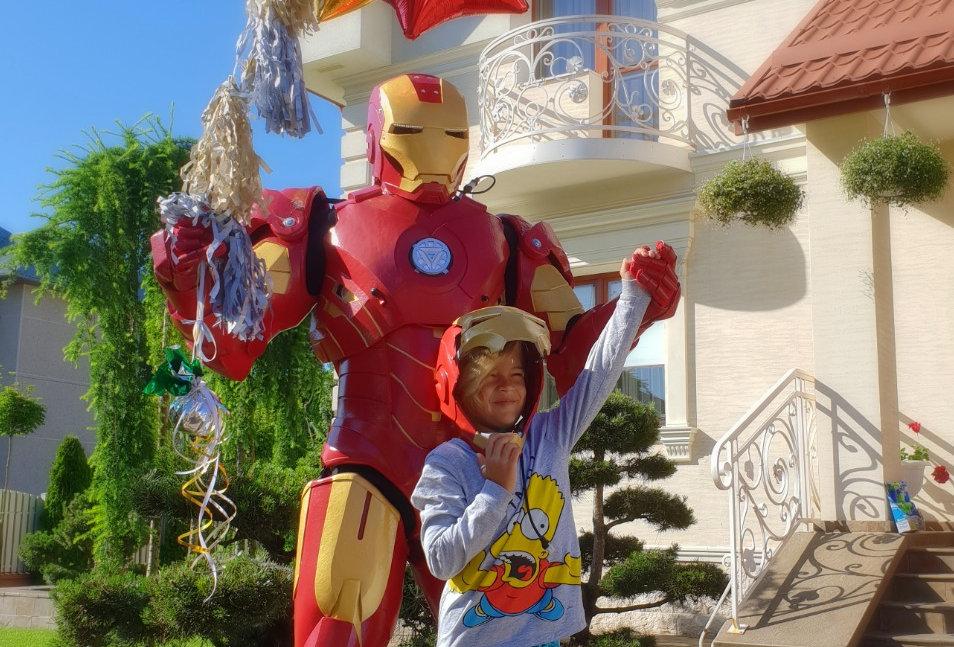 Iron Man  - костюм, которому позавидовал бы Тони Старк
