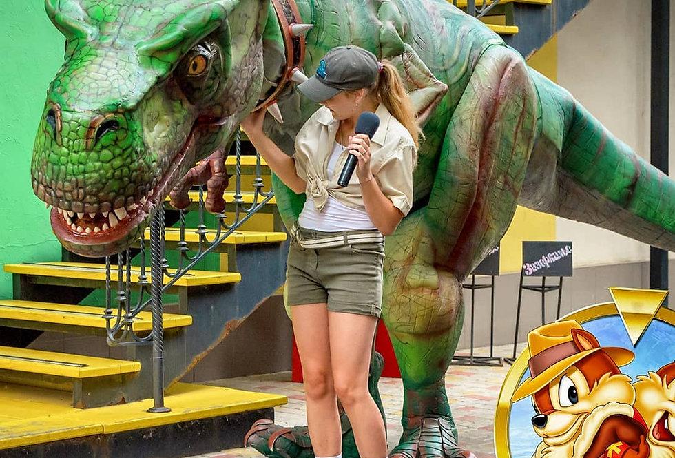 Тиранозавр Рекс –дрессированный динозавр в цирке