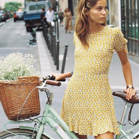 Sélection de robes pour un look rétro parisien
