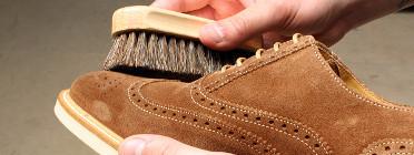 Comment entretenir les chaussures en daim ?