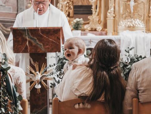 Levi wird getauft