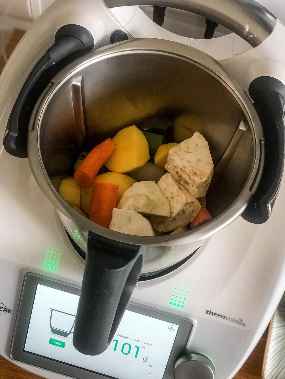 Kochen mit Thermomix TM6 Mostschaumsuppe aus dem Kochbuch Alles in Butter enamariab