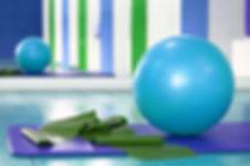 安定性のボールとストレッチバンド