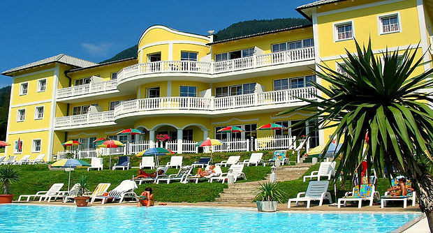 Hotel Sonnenhügel und Ferienschlössl am Ossiachersee in der Region Villach, Zimmer mit SB, Pool