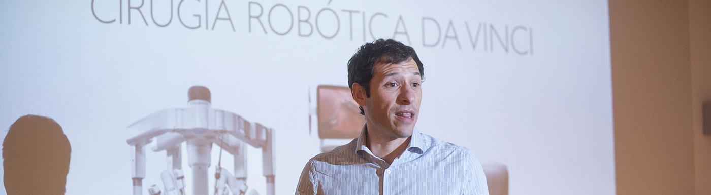 Simposio cirugia robotica baja6.jpg
