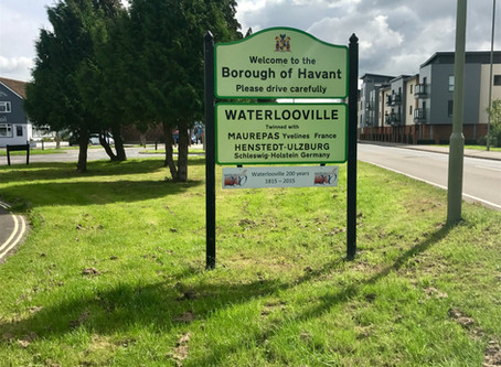 How do Waterlooville House prices compare to the national average?