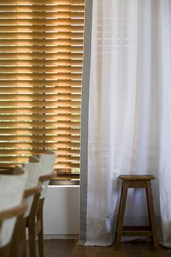 Persiana de Madeira + cortinas