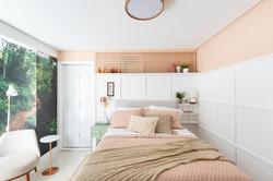 persiana de madeira quarto