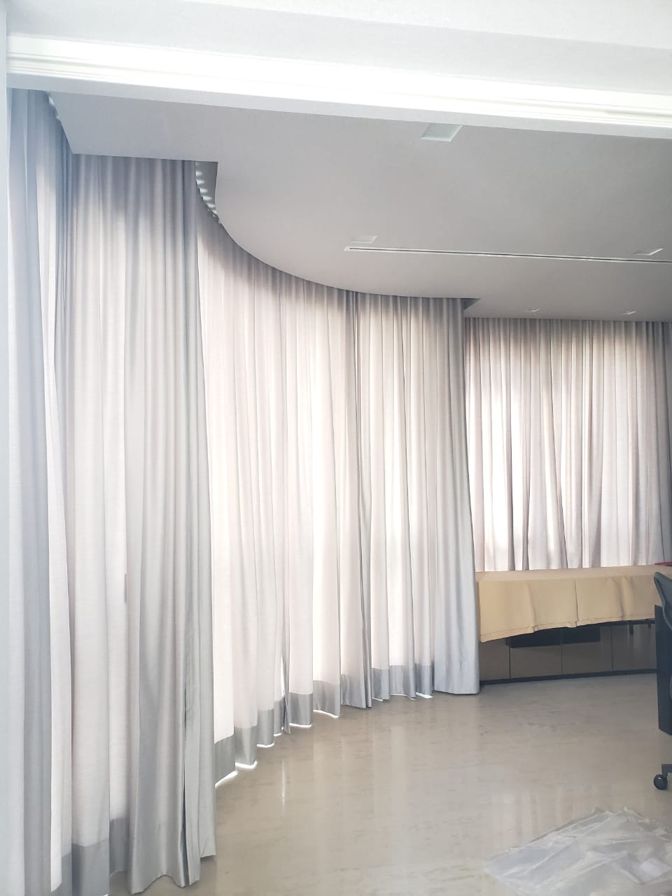 cortina com trilho curvo