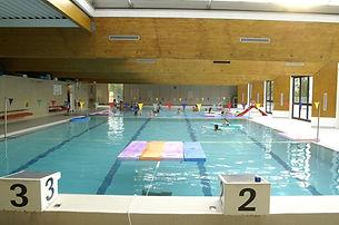 Saint-Tropez-piscine-municipale.jpg