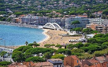 Plage-Sainte-Maxime-Ventre-ville.jpg
