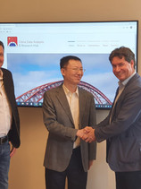 Meeting with Xinhua and Guangming Daily Chief Correspondents in Vienna