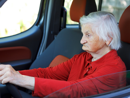 20 Warning Signs That An Elderly Driver Is No Longer Safe Behind The Wheel