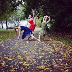 #dancersofinstagram #dancephotography #livelovedance #cumbraelove #dancersofig #fallcolors #ottawa #