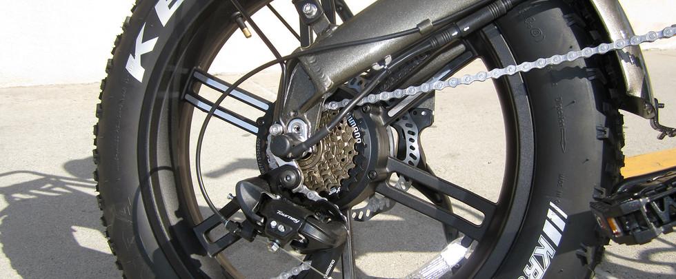 Sierra-GT-Gears-Mag-Wheels.jpg