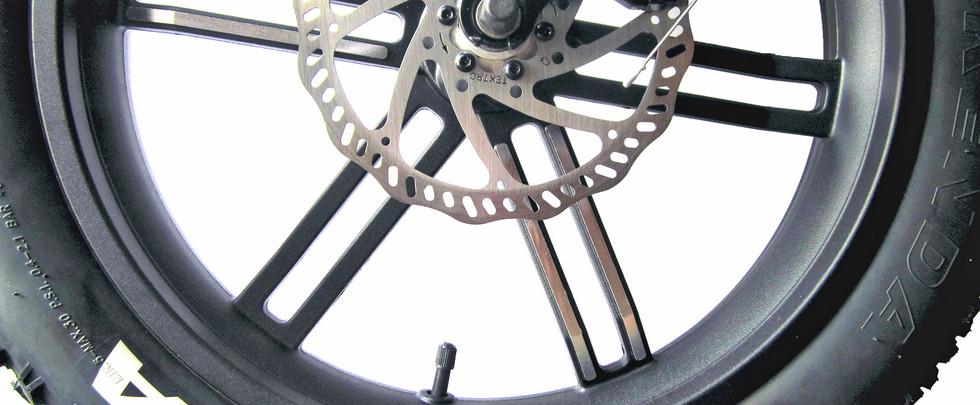 Sierra-GT-Mag-Wheels-Kenda-Tires.jpg