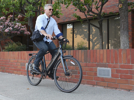 An Electric Bike Is the Answer to Your Morning Commute Problems