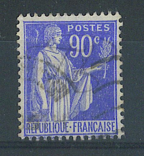 France n°368 , tâche blanche derrière la tête