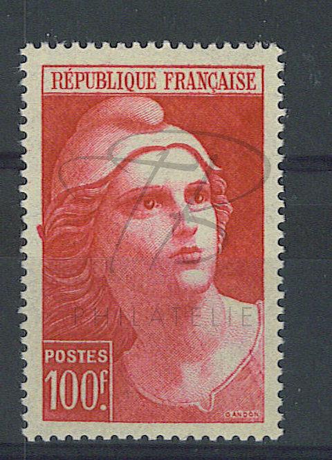 France n°733 , tâche dans la marge gauche , *