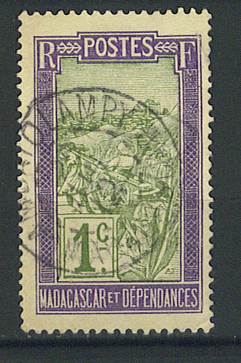 """Madagascar n°94 , cachet """"AMBATOLAMPY"""""""
