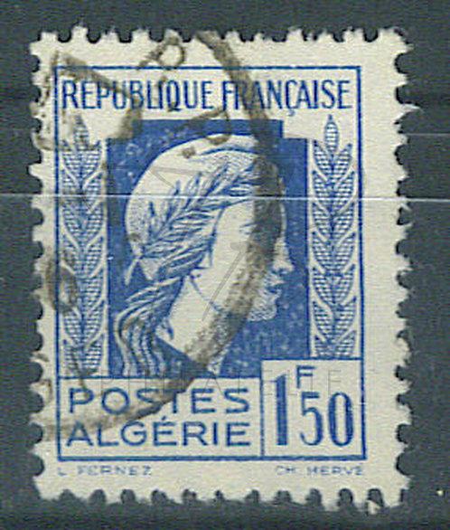 Algérie n°214 , anneau de lune derrière la tête