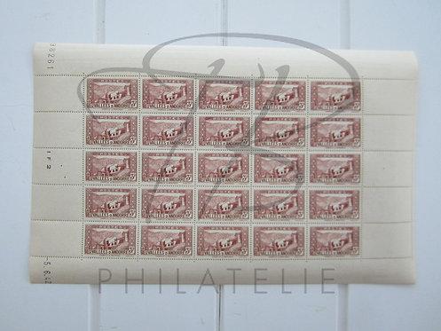 Andorre n°88 , brun-rosé , en feuille entière , **