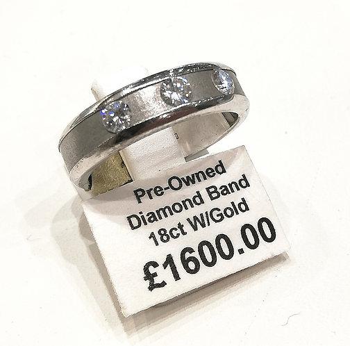 Diamond three stone band