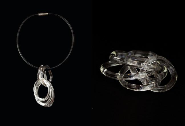 """Collier / VERRE TEFLON /  Exposition """"Enchainée Déchainée"""""""
