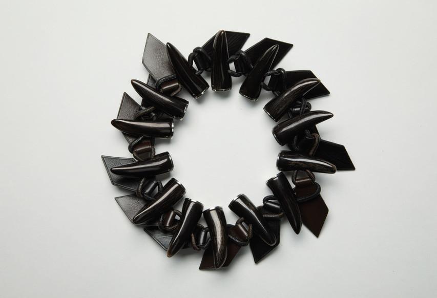 Collier / Collaboration / petit h