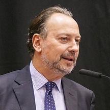 Eugenio%20Llamas%20instituc_edited.jpg
