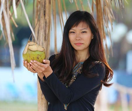 jules-coconut.jpg