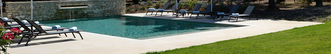 piscine avec tansats
