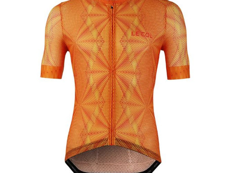 Le Col hot weather jersey has hint of 2014 Team Sky sheer skinsuit