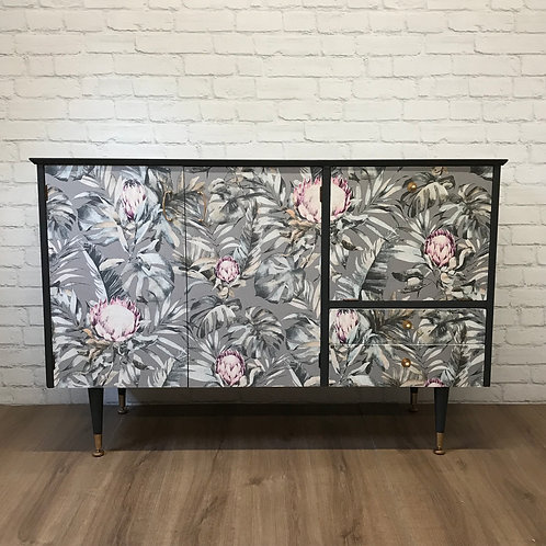 GLORIA SIDEBOARD