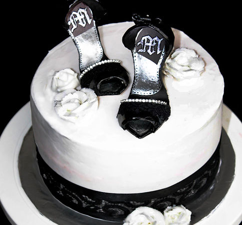 BLACK SHOES Cake - Design: Catia Keck
