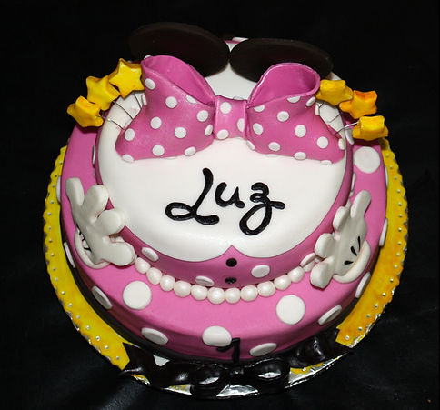 MINNIE Girl Cake - Design: Catia Keck